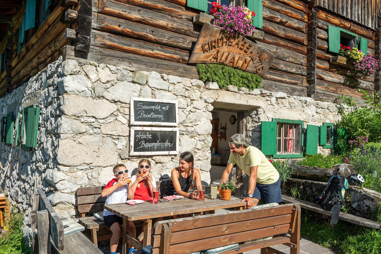 Urlaub in Filzmoos nahe Dachstein - Zimmer mit Frühstück - Pension Vierthaler